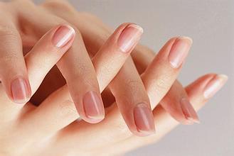 灰指甲的初期症状_如何彻底治愈灰指甲